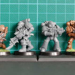 Size comparison of the 1985 Imperial Space Marine, 2016 version, 2015 Mk 4 armour and its early 90s original