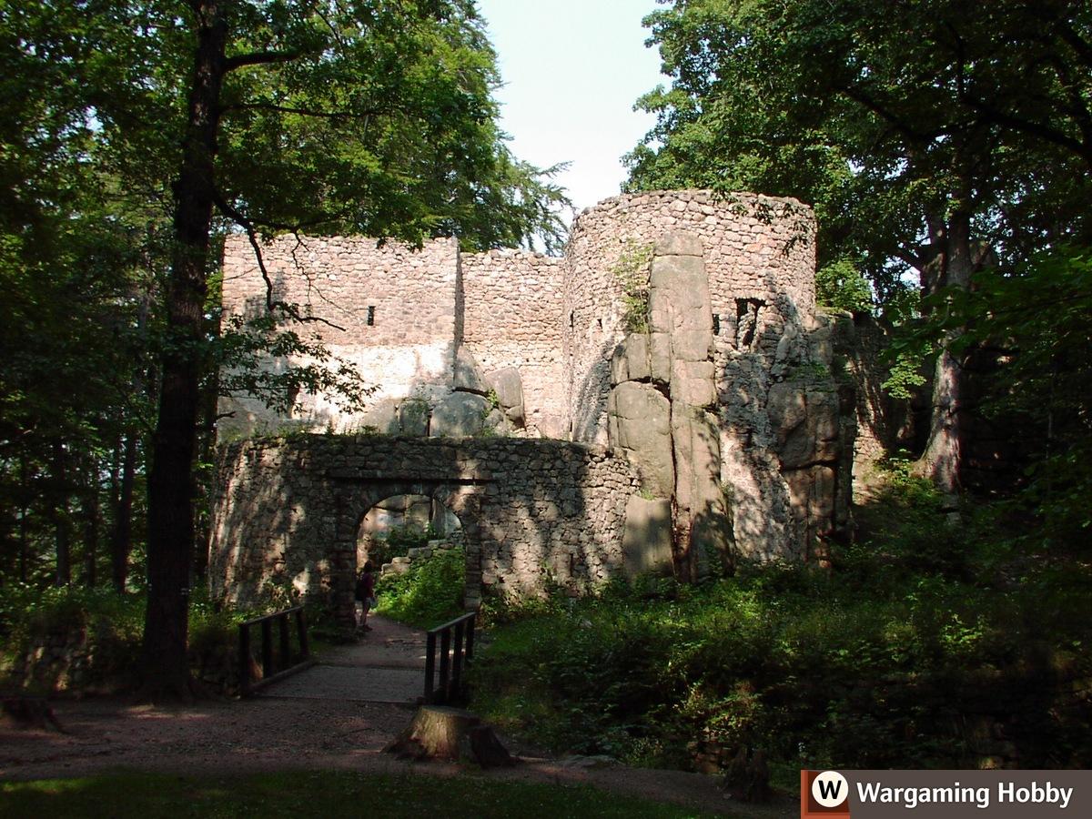 Overgrown Bolczów Castle