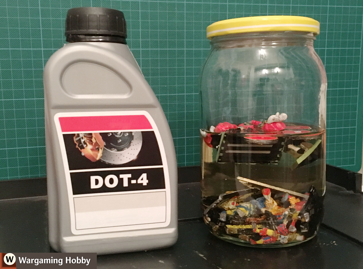 How to remove old paint from plastic and metal miniatures