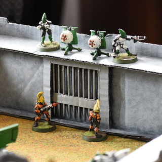 WH40k Castle: The Gate From Inside / Portcullis
