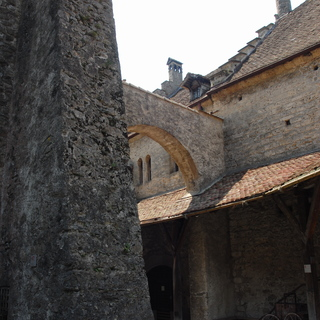 Castle Chillon: inner courtyard