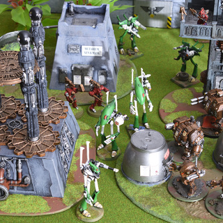 Eldar, Adeptus Mechanicus and Space Marines fight for the Void Shield Generator